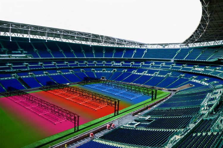 The R-BL RSI and Rhenac developed, is a fully automated system that has sprinkler, heating and fertilizing technology all combined in one system. The system can be retrofitted in most stadiums.